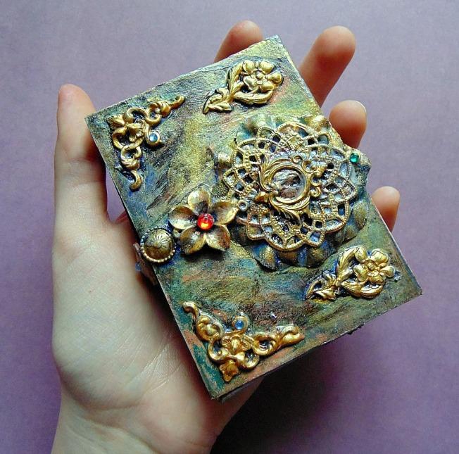 Porte carte finnabair vintage altéré doré steampunk