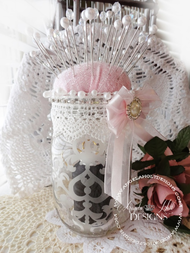 angela holt pin jar épingle shabby