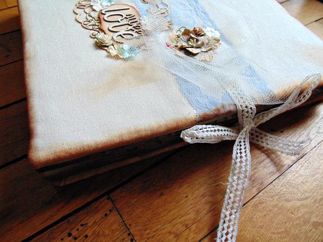album vintage couverture ruban fermeture ellanascrap