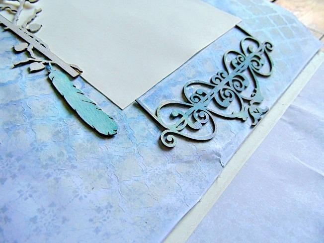 page romantique bleu plume scrapbooking