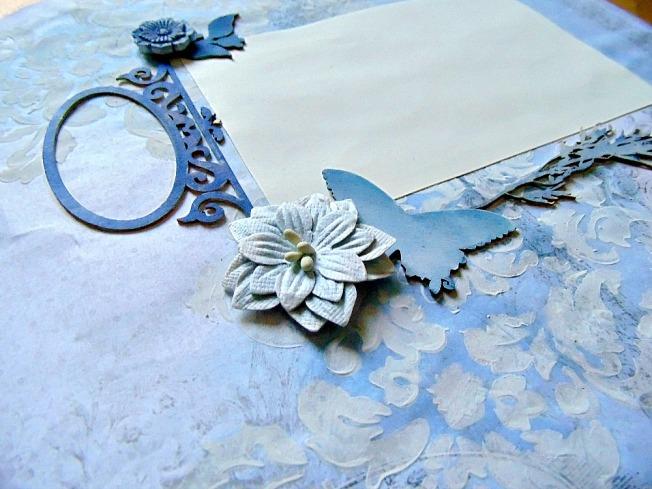 page fleur papillon bleu blanc
